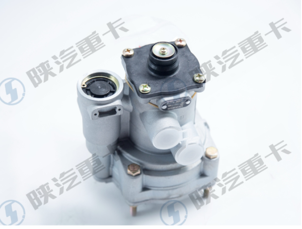 Trailer brake valve DZ9100360330 for genuine accessories of Shaanxi Automobile Original Factory